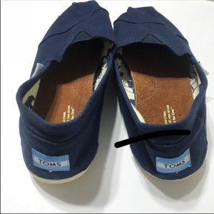 TOMS Women's Size 10 Navy Blue Canvas Shoes NEW